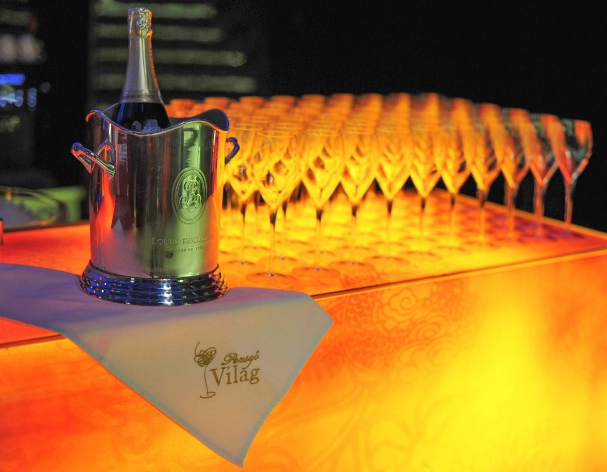 150 ezer hektoliter pezsgőt vásárolunk egy év alatt