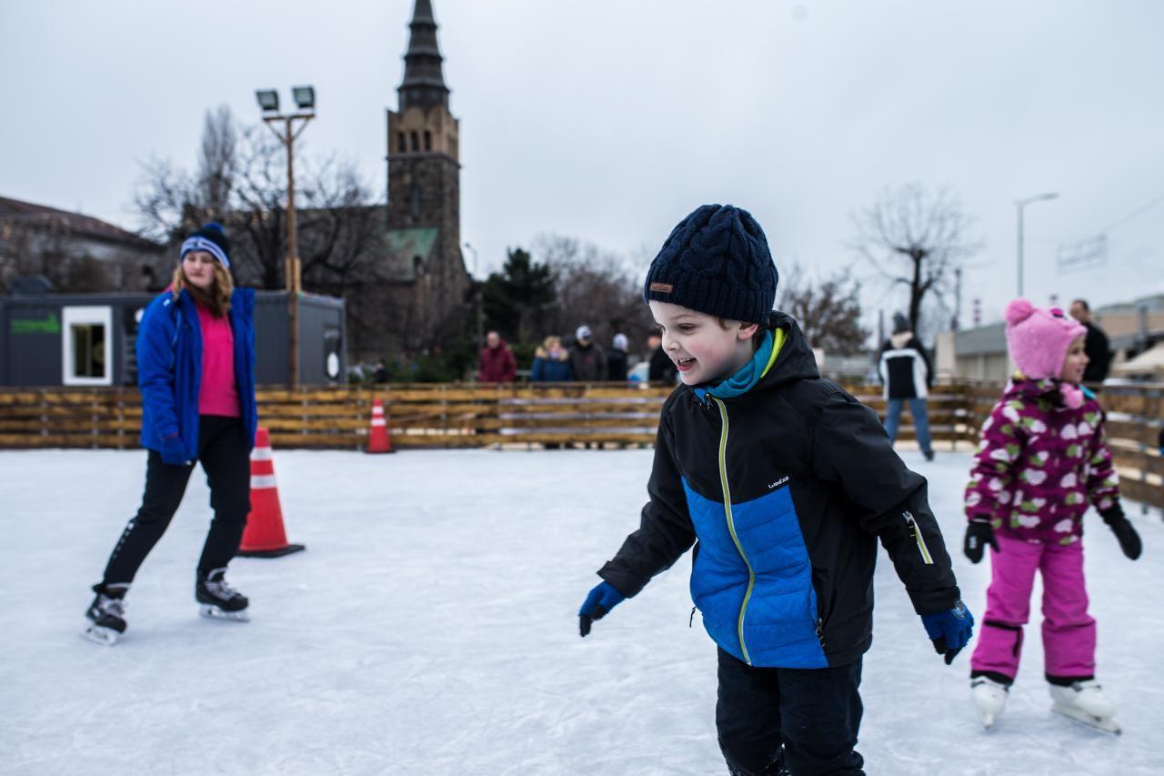 Ingyenes lesz a korcsolyázás Budafokon