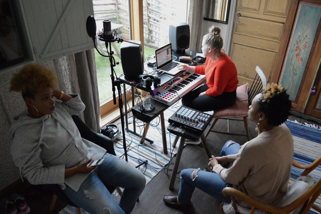 London és Párizs után Budapestre jön az izgalmas Songwriting Camp