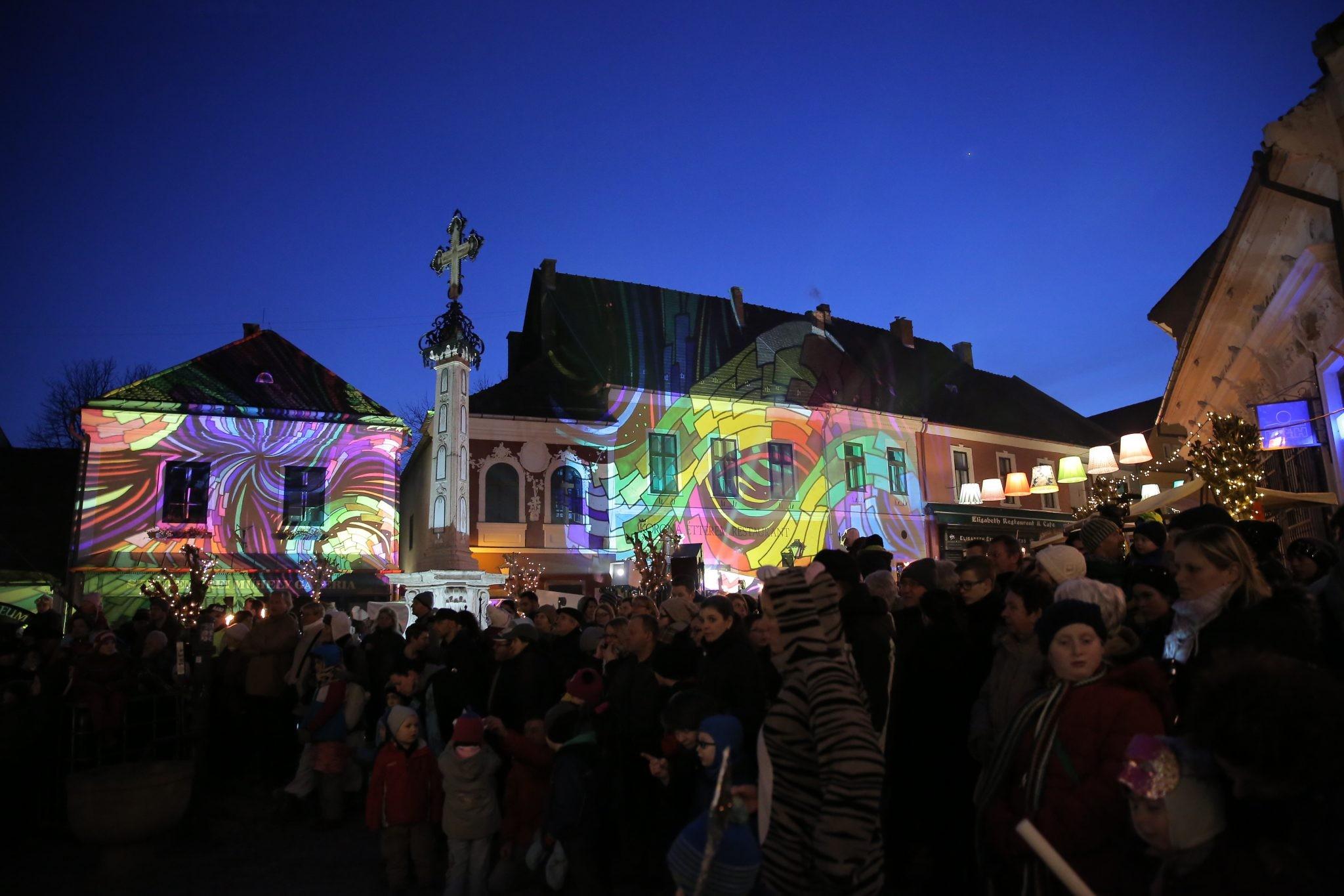 Karnevállal ünnepli a farsangot Szentendre