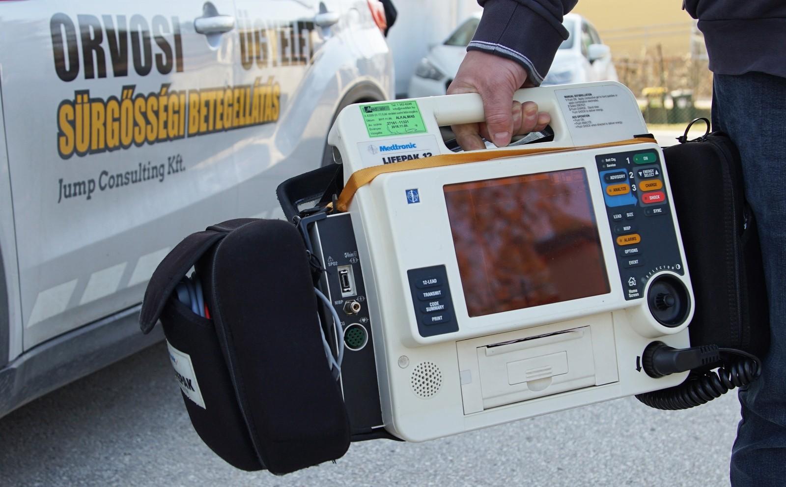 Életmentő műszerrel szerelték fel a budaörsi sürgősségi kocsit