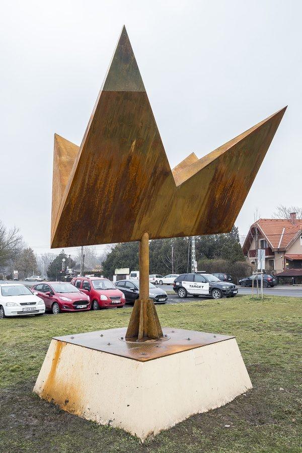 Újjászületett Szentendre ikonikus szobra
