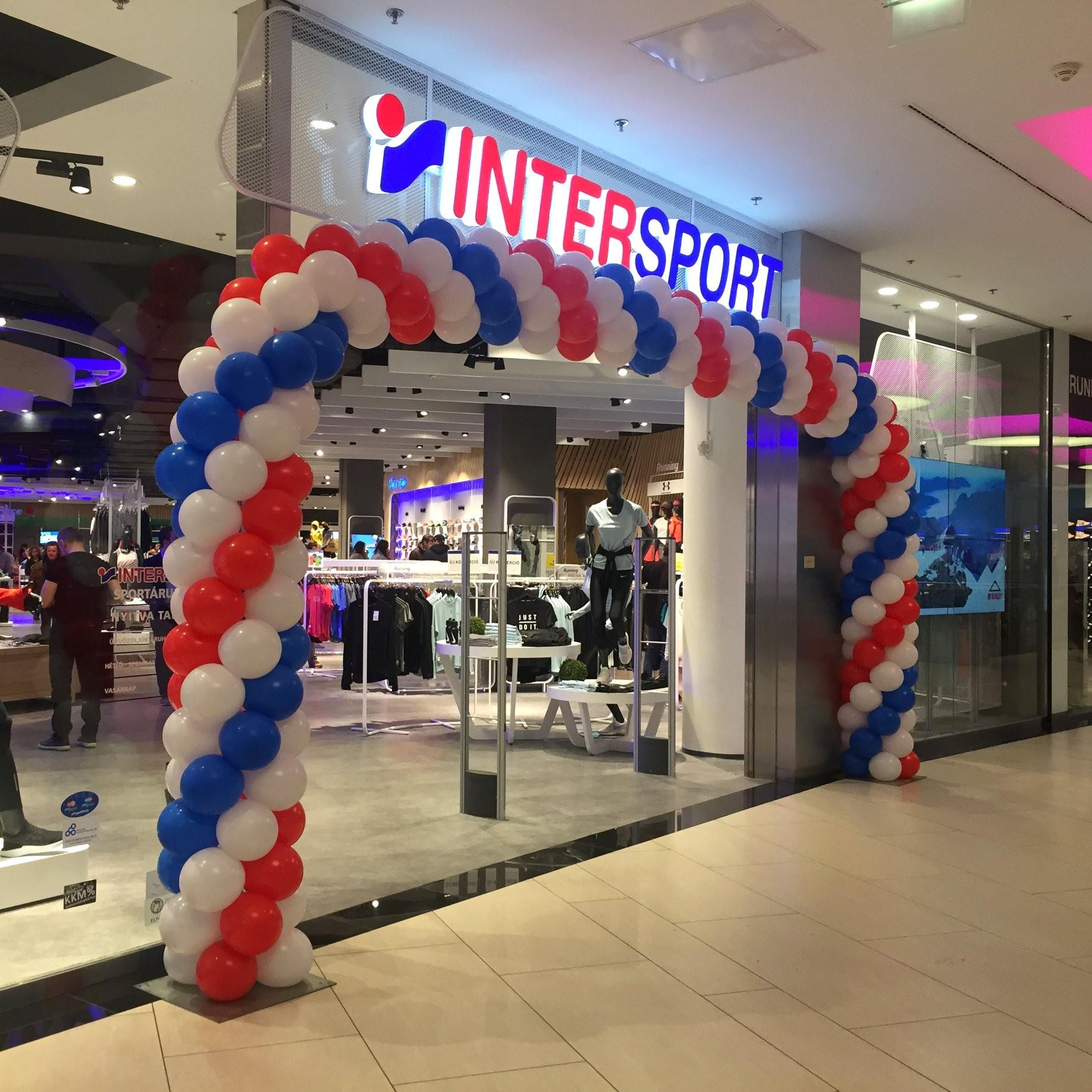 Európa legmodernebb Intersportja nyílt meg az Alleeban eae0bdbc33