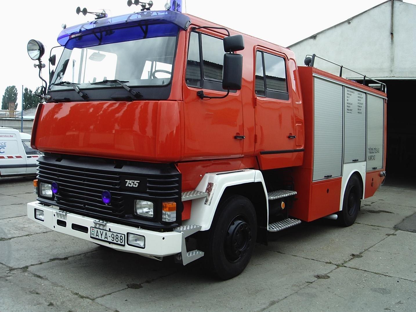 Új tűzoltóautó áll szolgálatba Nagykőrösön