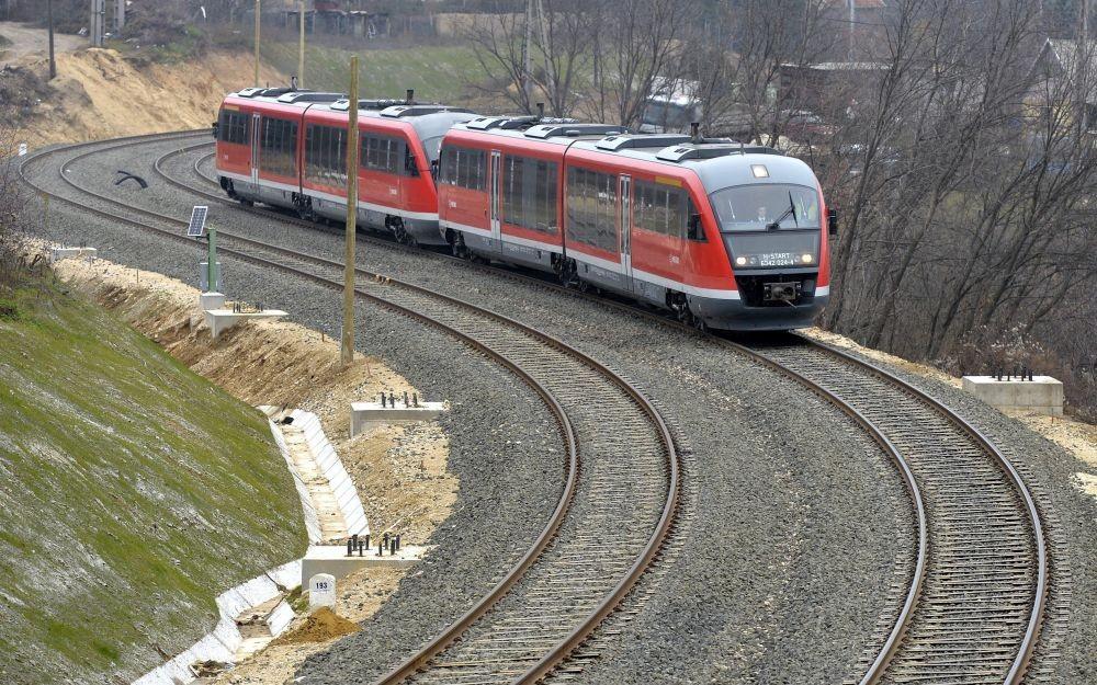 Növelik a vasúti közlekedés biztonságát Budapest és Esztergom között