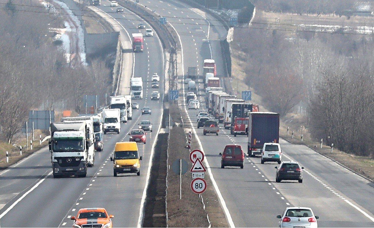 Négy szakaszán is burkolatjavítást kap az M1-es autópálya