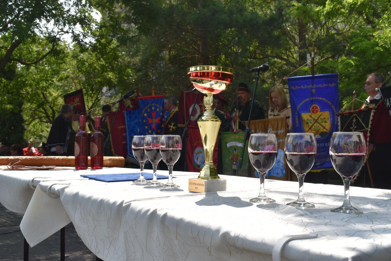 Melyik Monor legjobb bora? Április végén kiderül
