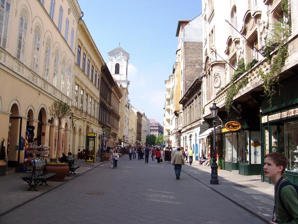 Felújítják a főváros legismertebb utcáját