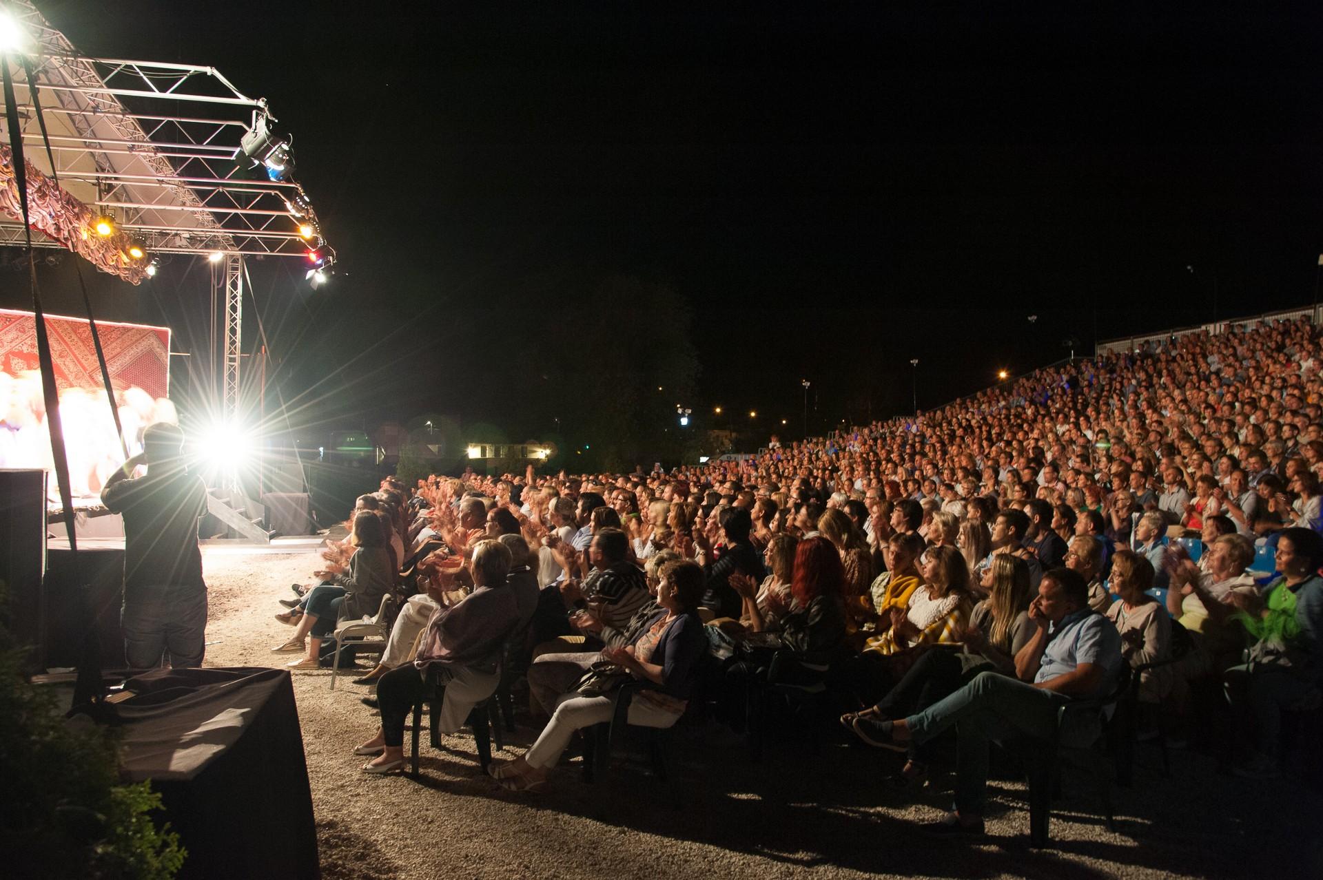 Ilyen lesz a nyár Pest megye legnagyobb szabadtéri színpadán