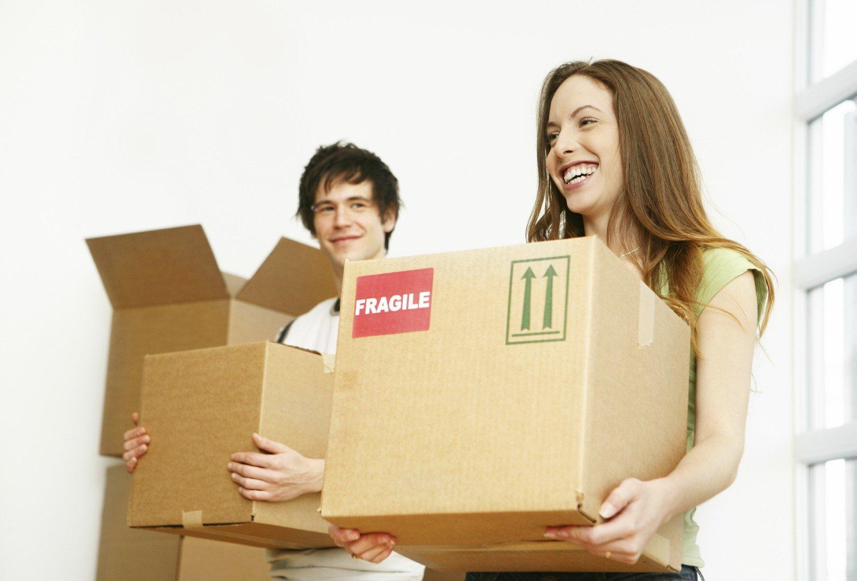 A lányok hamarabb költöznek el otthonról, mint a fiúk