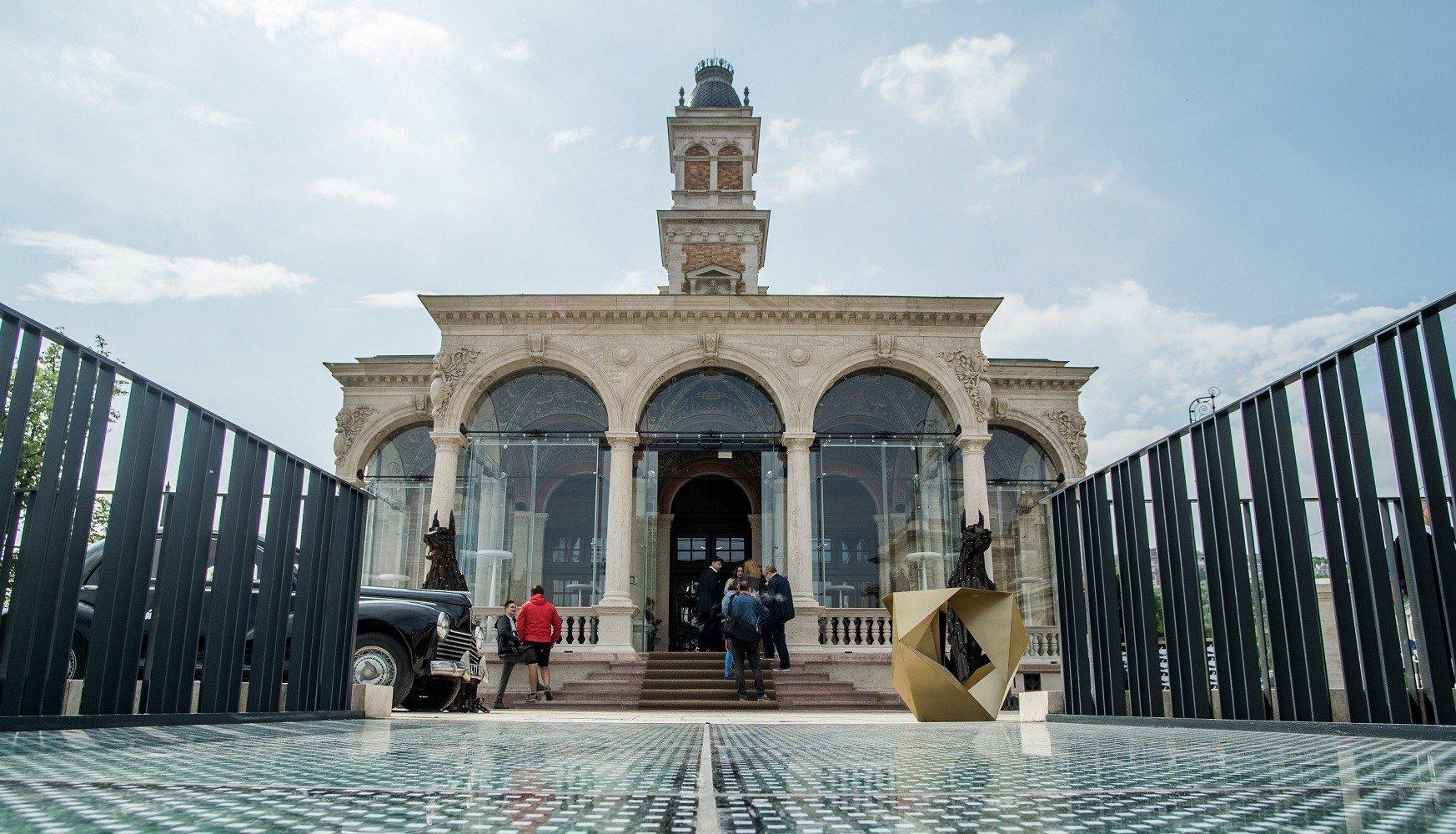 Évek óta elhagyott patinás épület született újjá Budán