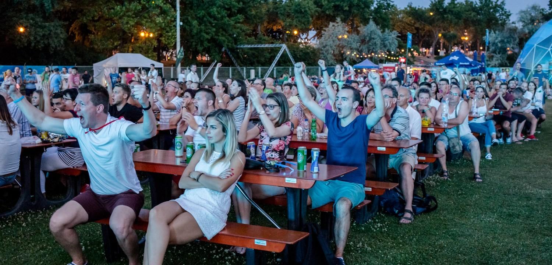 Kiköltözik a dunakeszi szabadstrandra a foci-vb