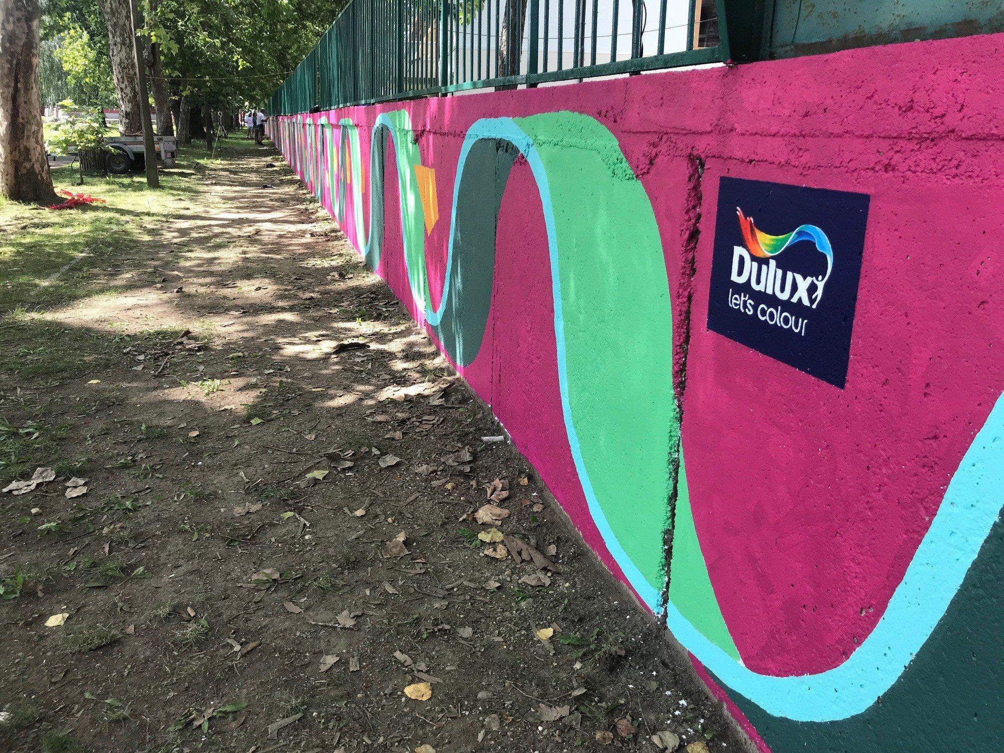 95 liter festékkel a szürke hétköznapok ellen