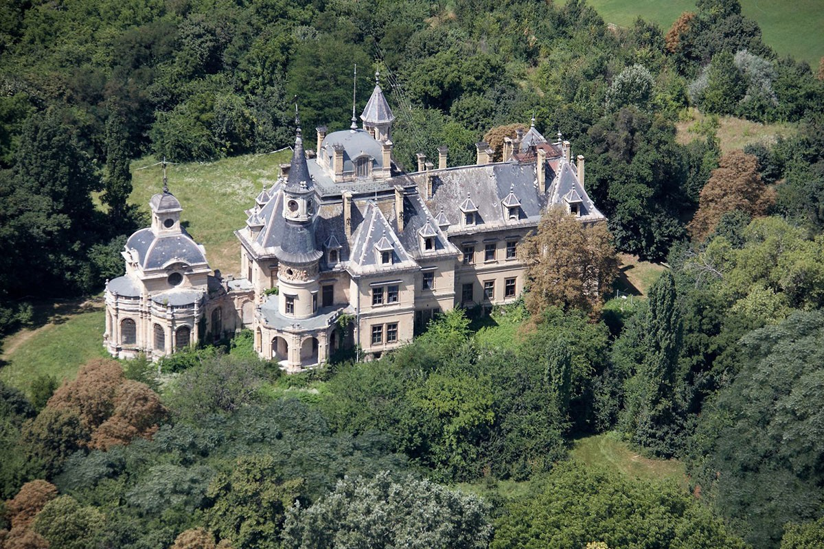 Magyarországon egyedülálló klasszicista kastély újul meg Pest megyében