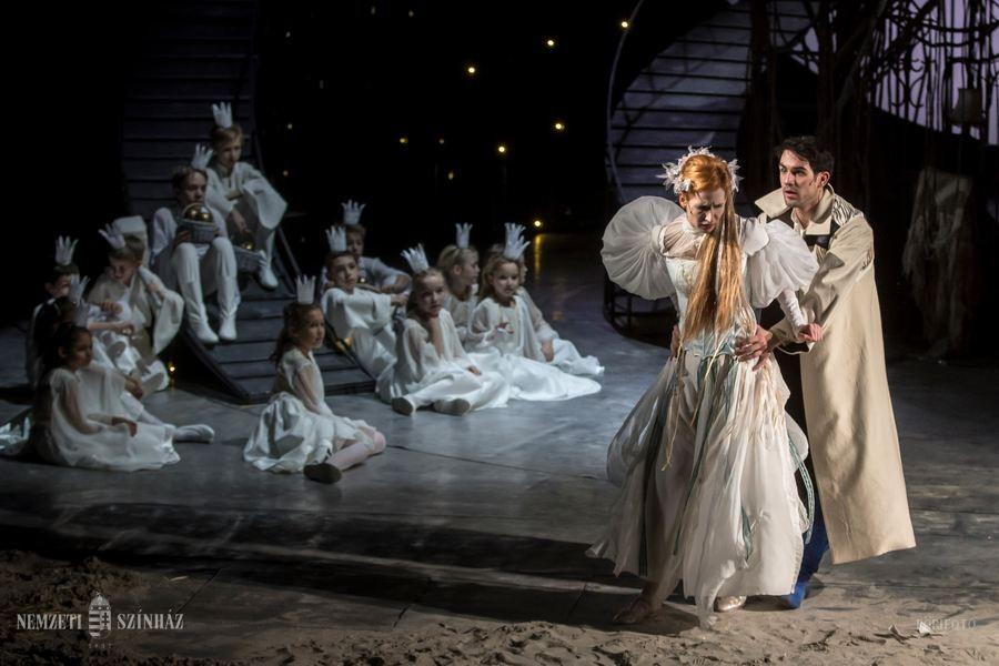Ingyenes előadások hátrányos helyzetű felnőtteknek a Nemzeti Színházban