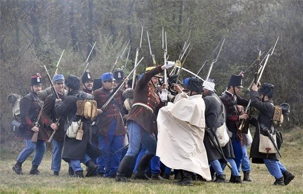 Hagyományőrzők csatáztak Isaszegen