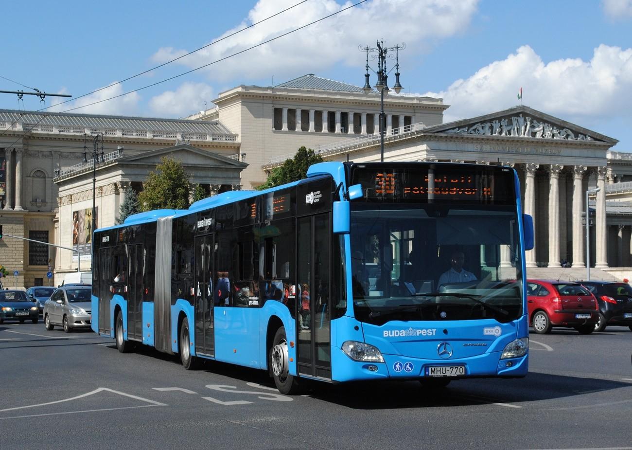 Idén is lerakják az autót és buszra szállnak a budapestiek