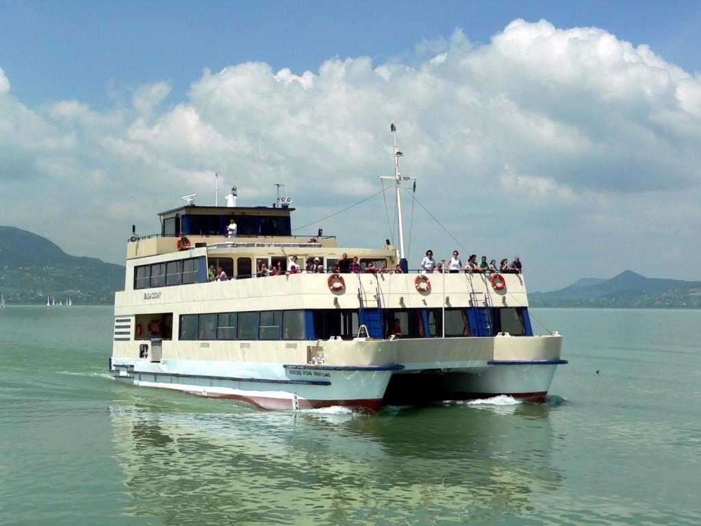 Idén is kifut a Balaton vizére a Party Boat
