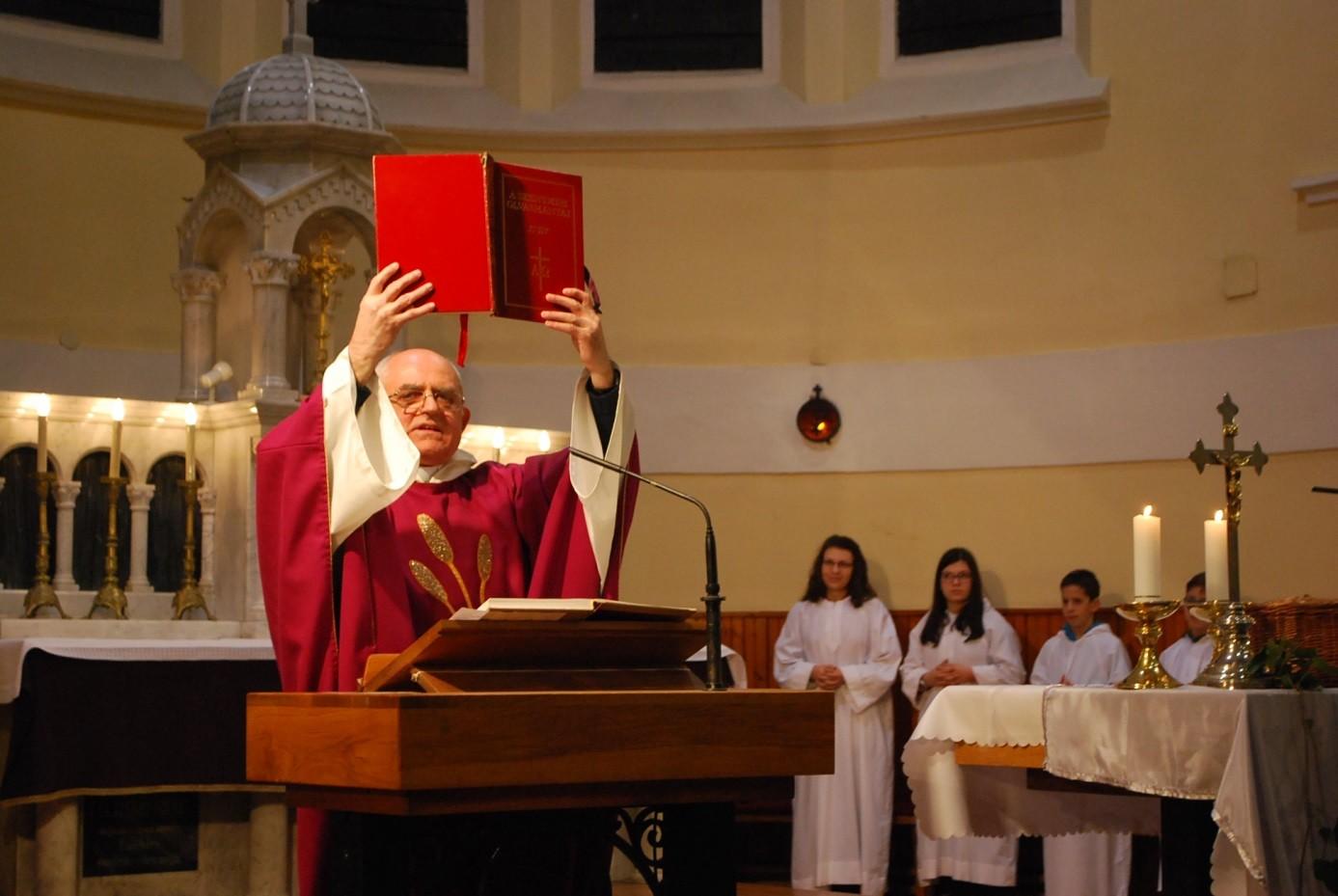 Varga László az új kaposvári püspök