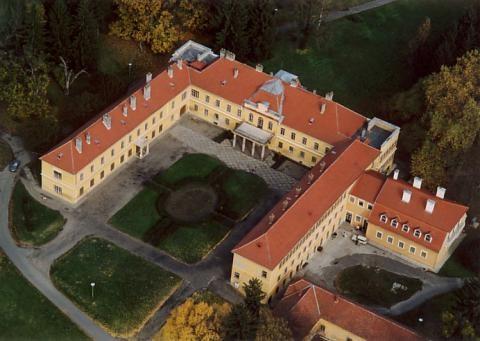 Új otthonokba költözhetnek a somogyvári gyermekotthon lakói
