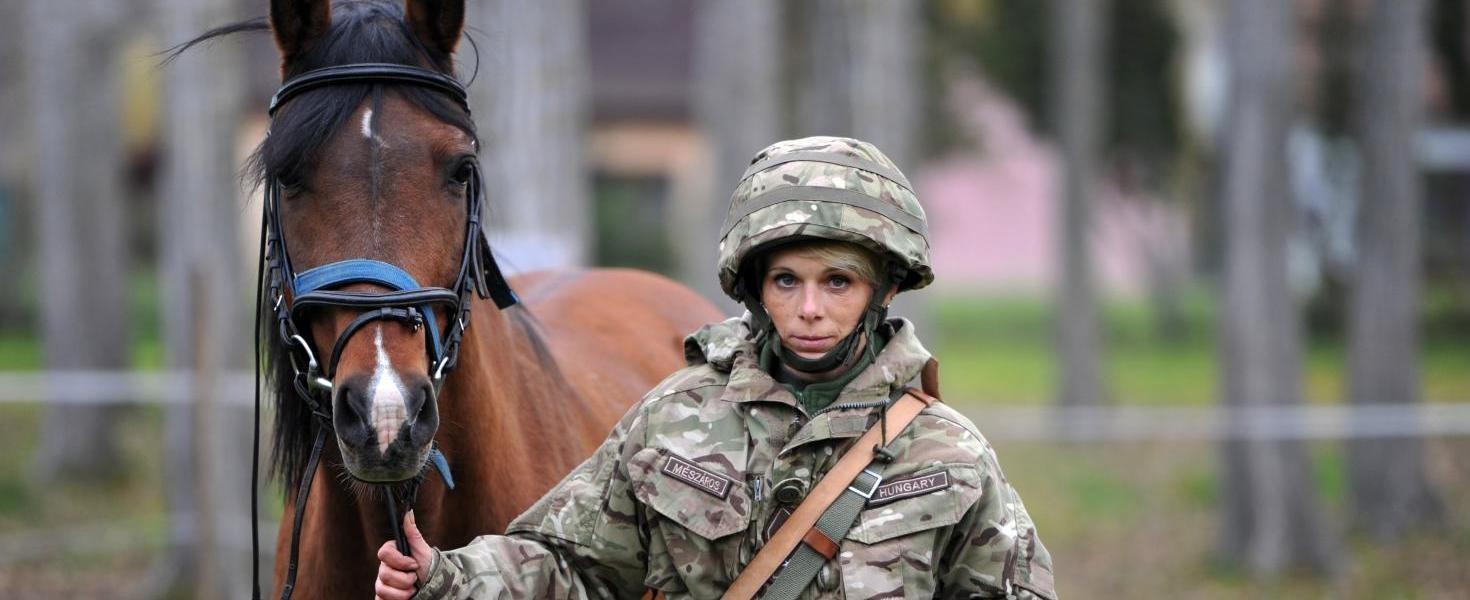 Nyeregbe szálltak a katonák – kaposvári lehet az első lovas szakasz
