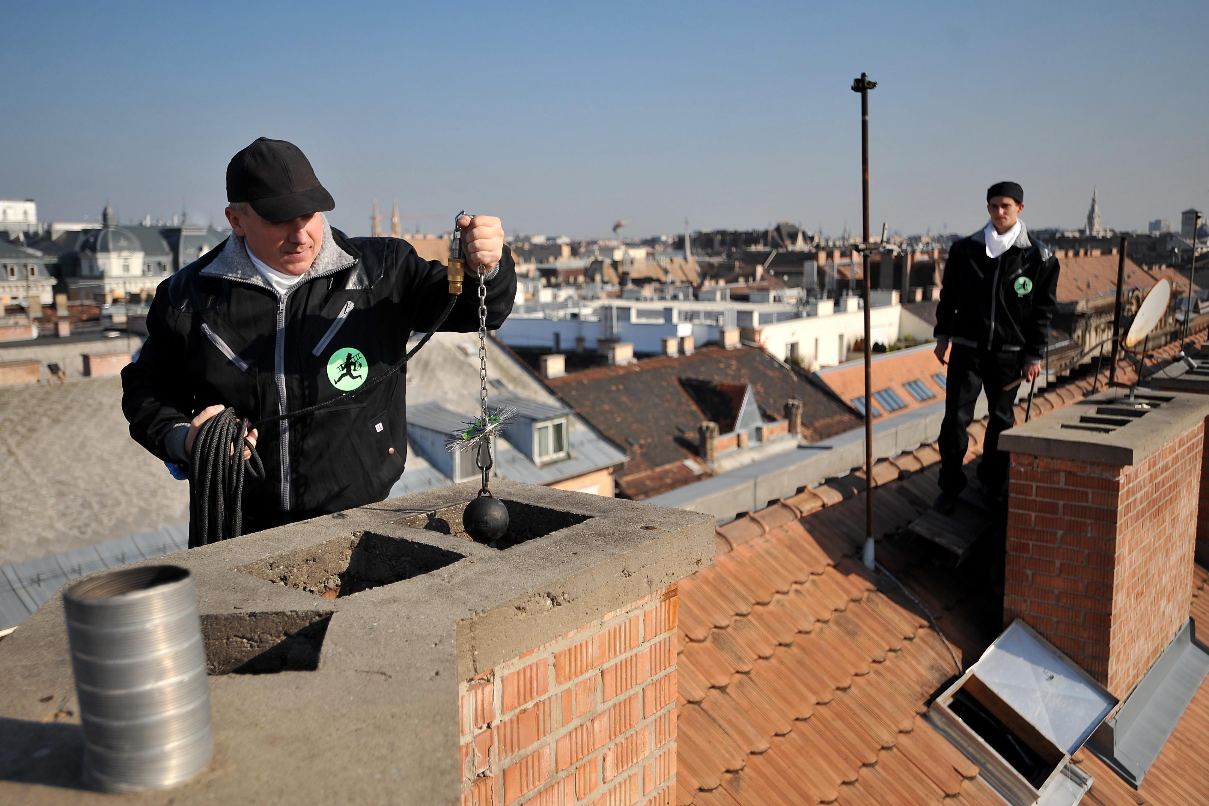 Januártól időpontfoglalásra érkeznek a kéményseprők a családi házakhoz