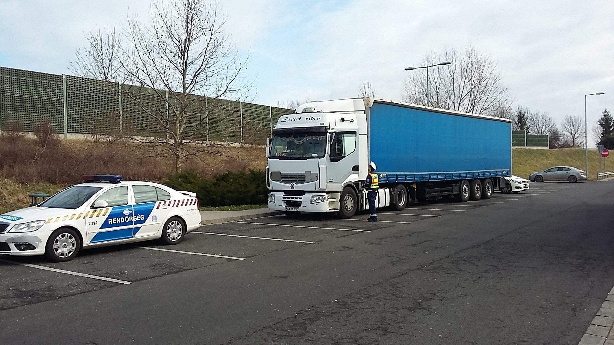 Bírságokat osztottak az M7-esen szabálytalanul előző sofőröknek Somogyban
