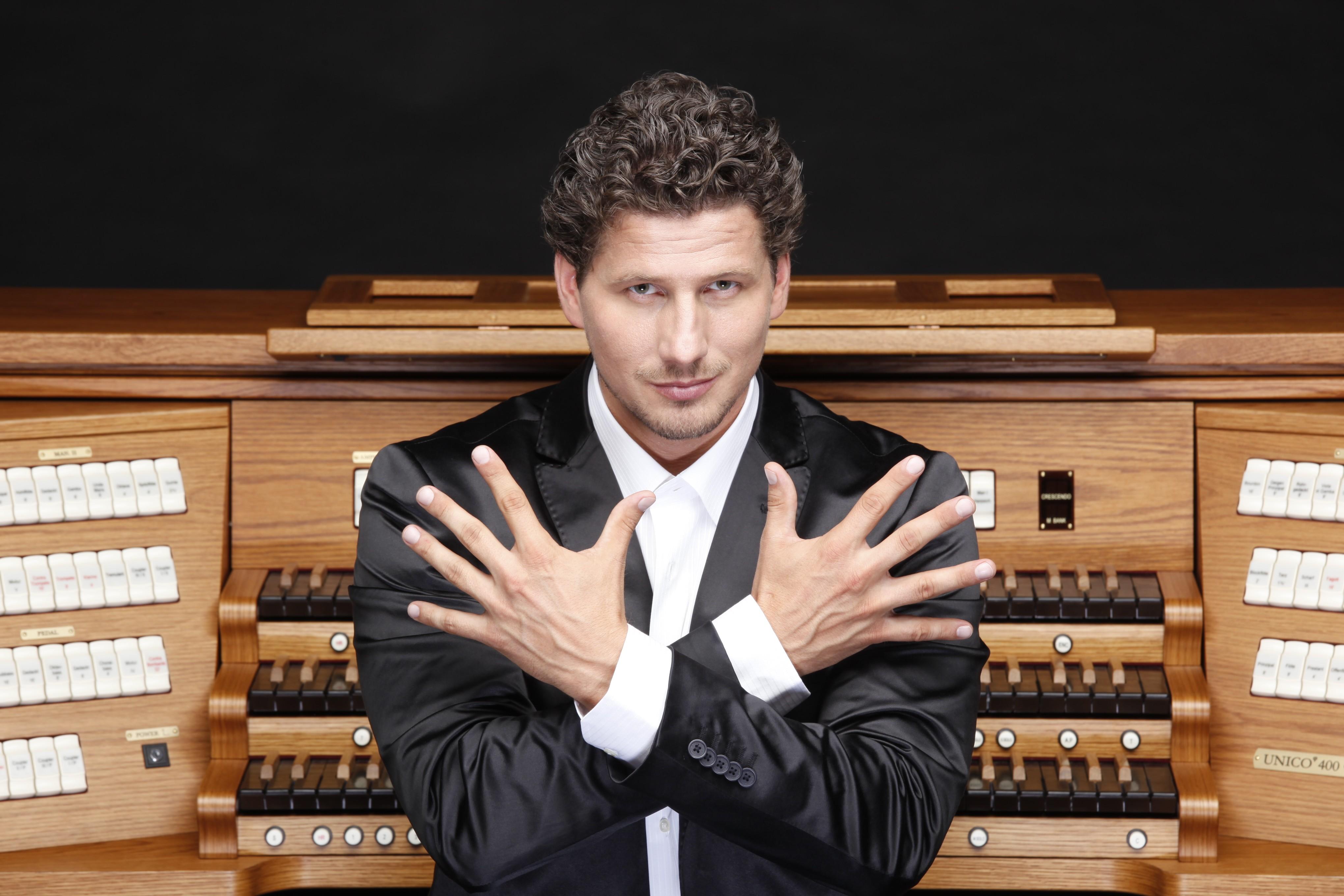Kaposváron is koncertezik Rákász Gergely orgonaművész