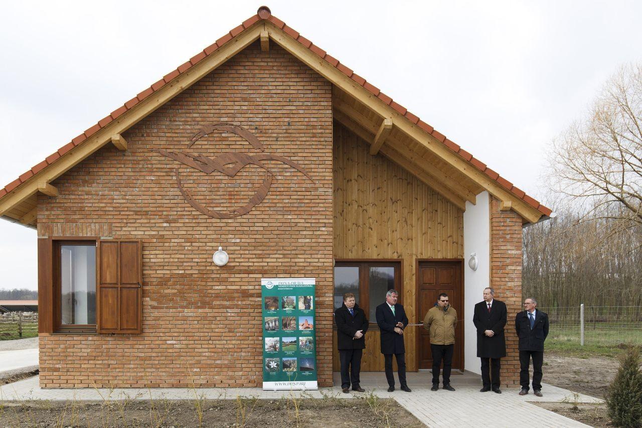 Megújultak a Duna-Dráva Nemzeti Park állattartó telepei