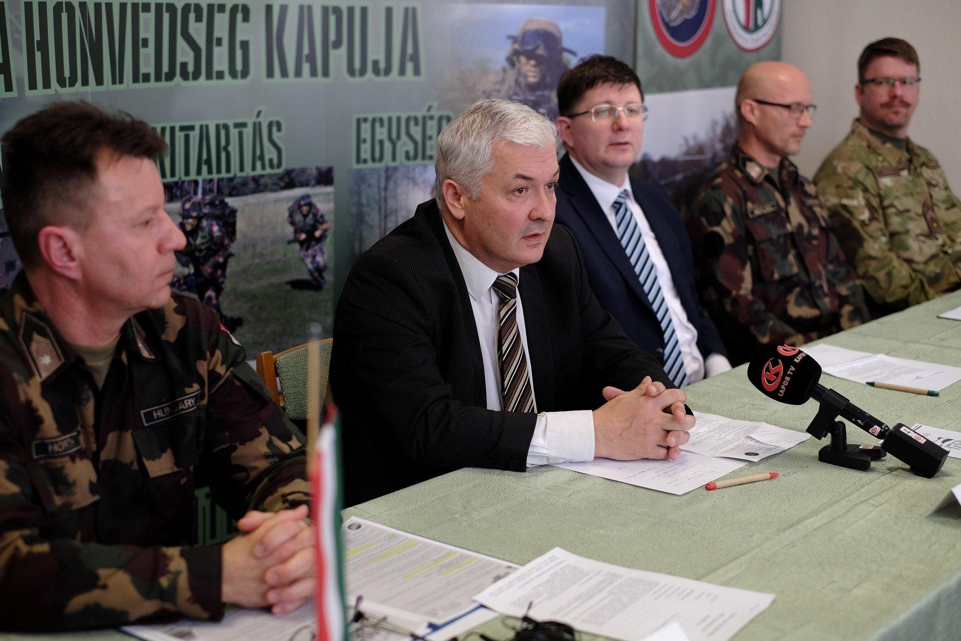 Somogyi fotó- és rajzpályázatot hirdettek a Magyar Honvédség tiszteletére