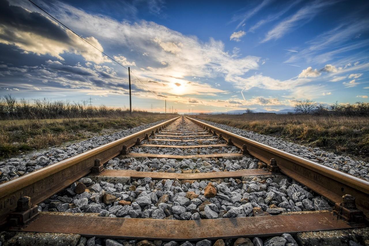 Munkanap-áthelyezés és ünnep miatti változások a vasútnál