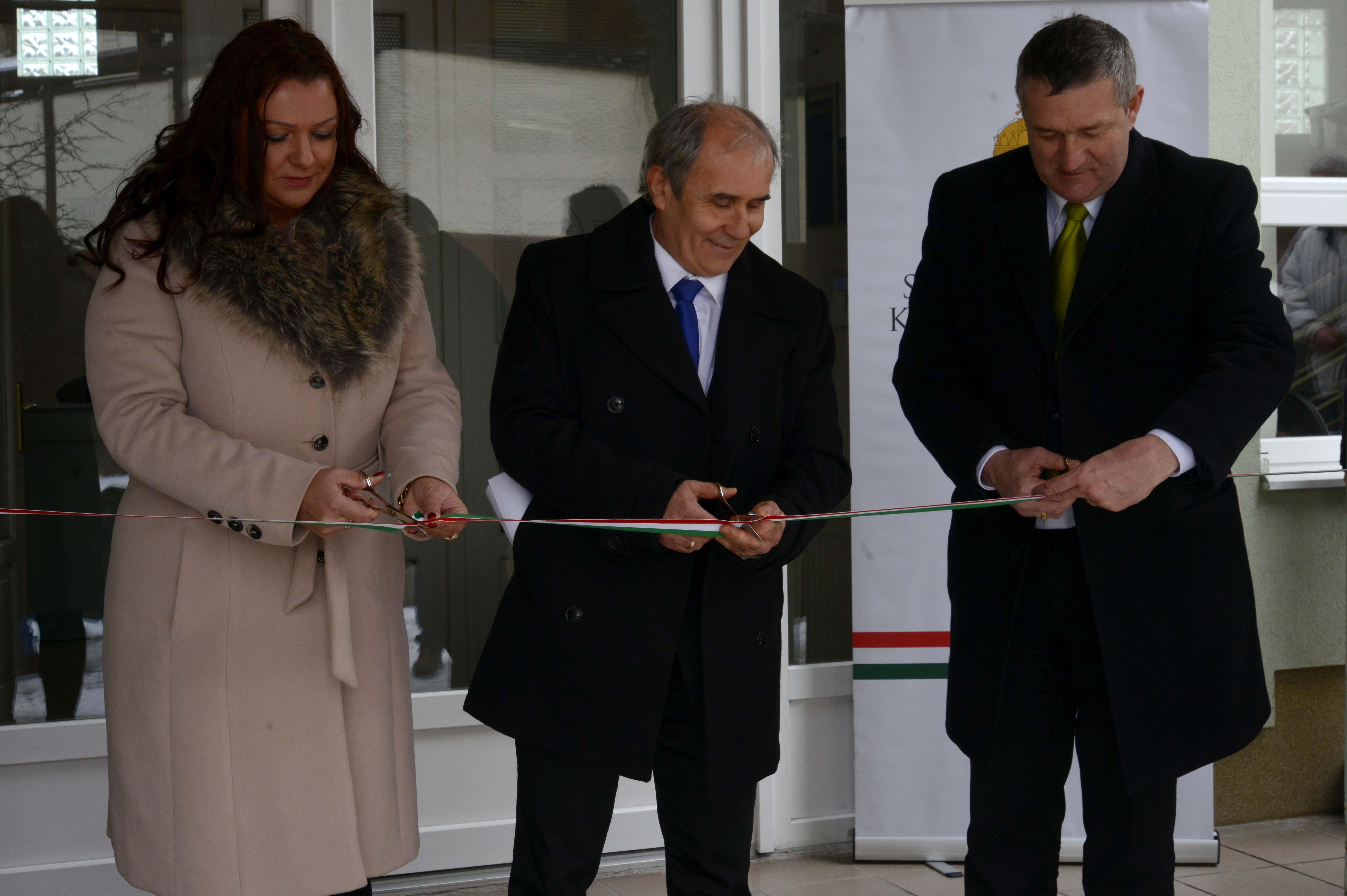 Korszerűsített épületeket adtak át a Balaton-parton