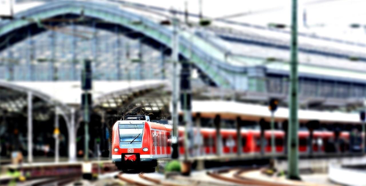 Féláron lehet utazni vonattal a Szakmák Éjszakája rendezvényeire