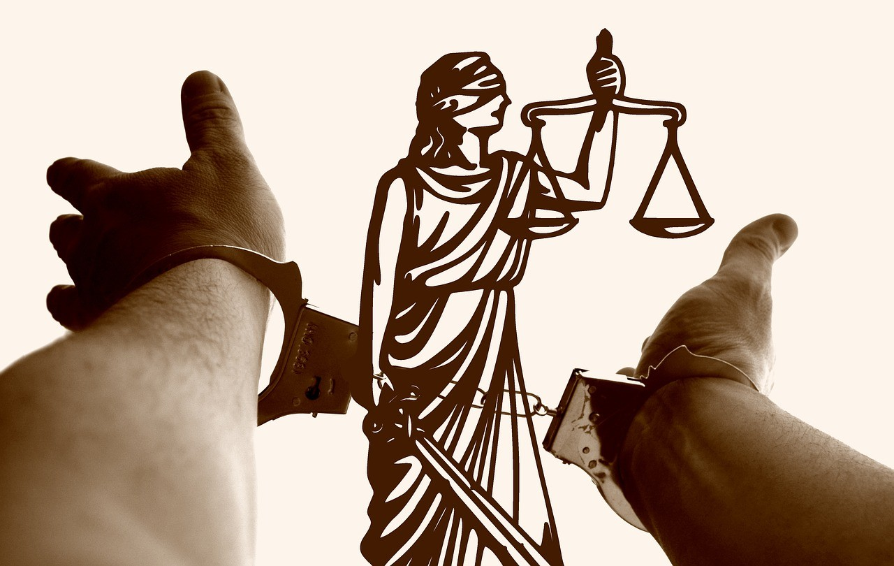 Vádat emelt a Somogyi ügyészség egy 82 millió forint adóhiányt okozó ügyvéd ellen
