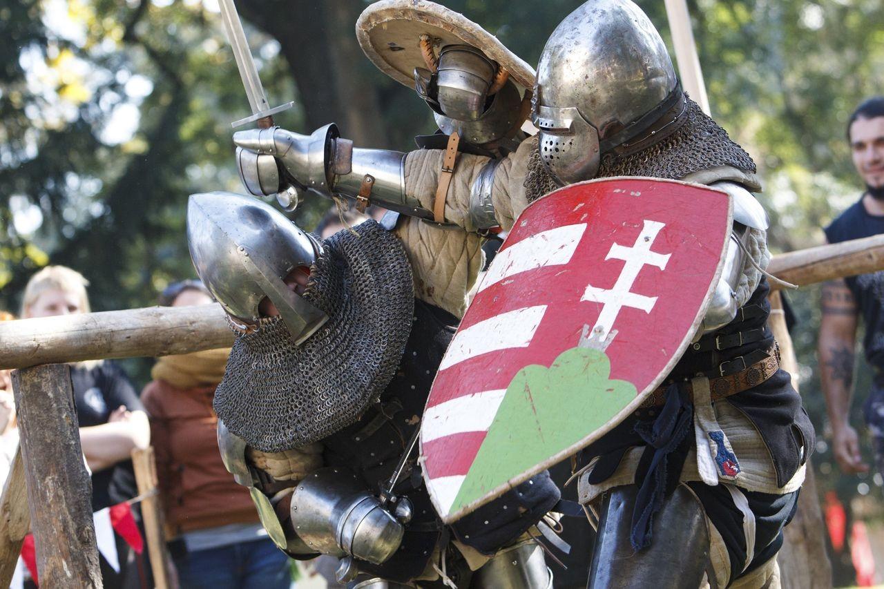 Középkori vívásban rendeztek versenyt Iharosberényben