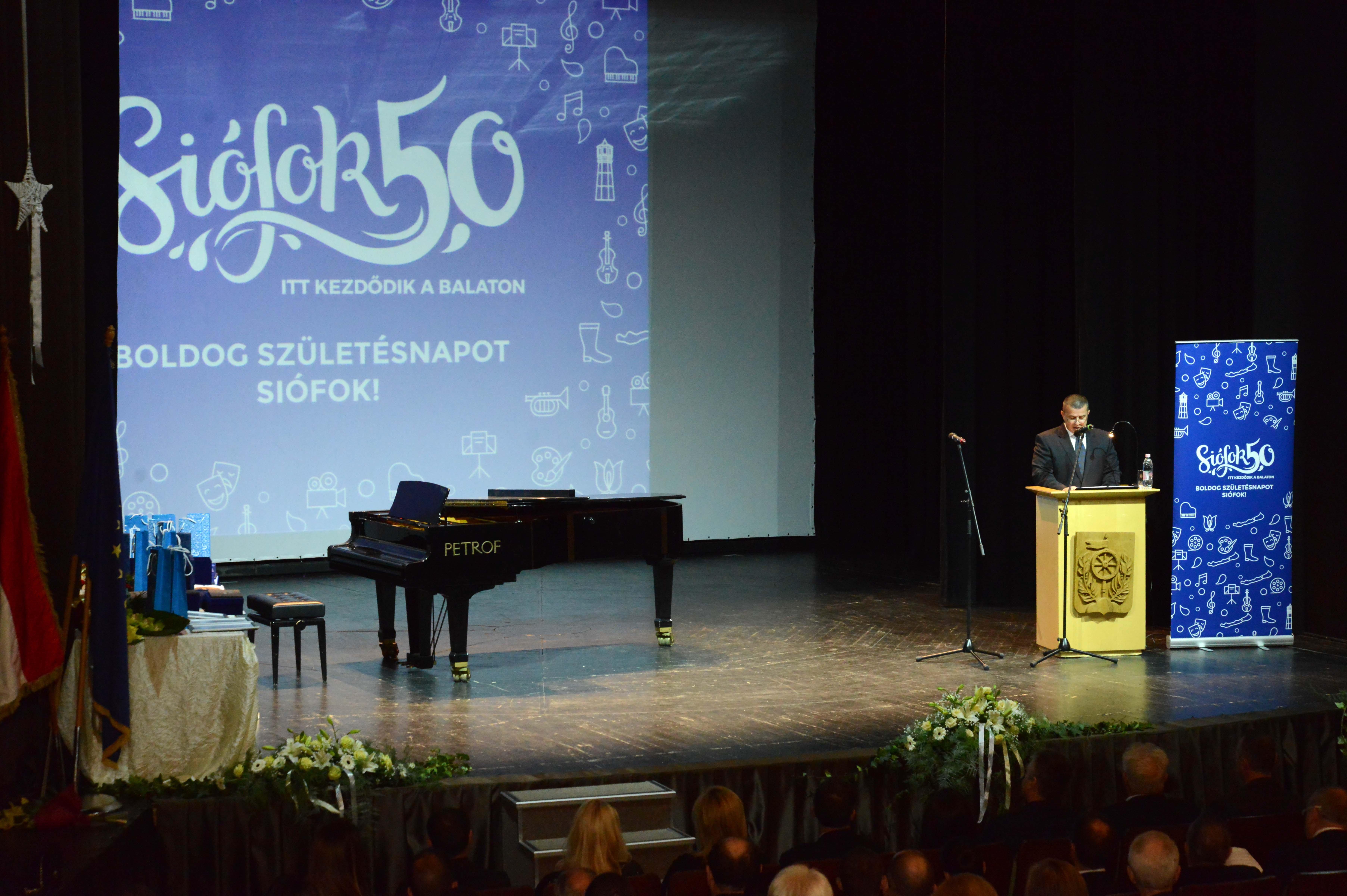 """A """"Balaton fővárosa"""" 50 éves"""