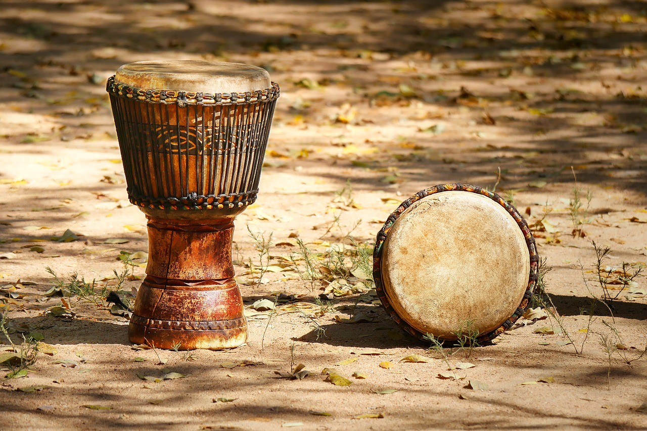 Egzotikus hangszerekkel gazdagodott a kaposvári zeneiskola