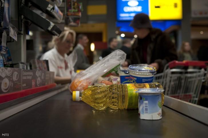 Nébih: a leggyakoribb probléma a lejárt szavatosságú élelmiszerek árusítása