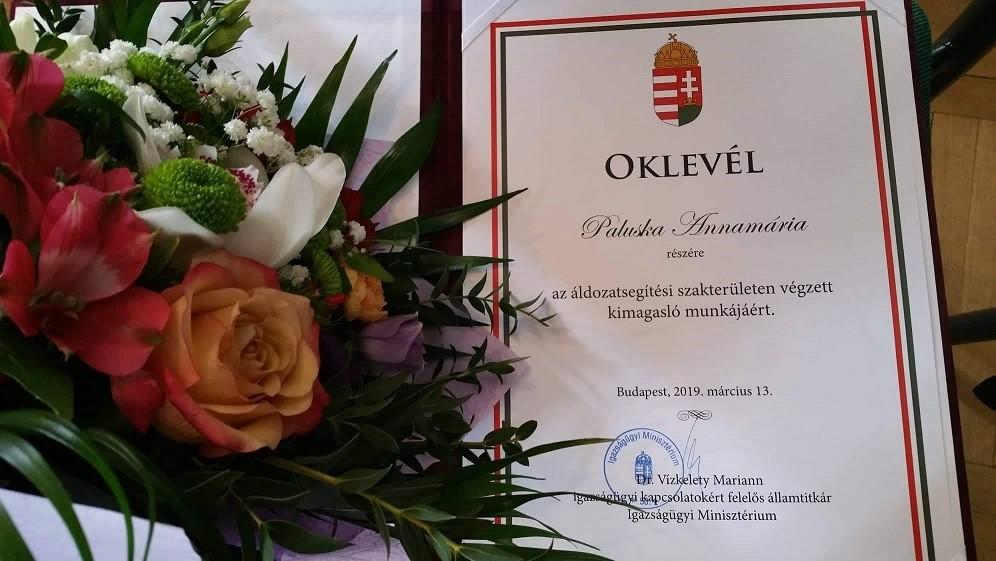 Elismerésben részesült a Kaposvári Járási Hivatal szakügyintézője