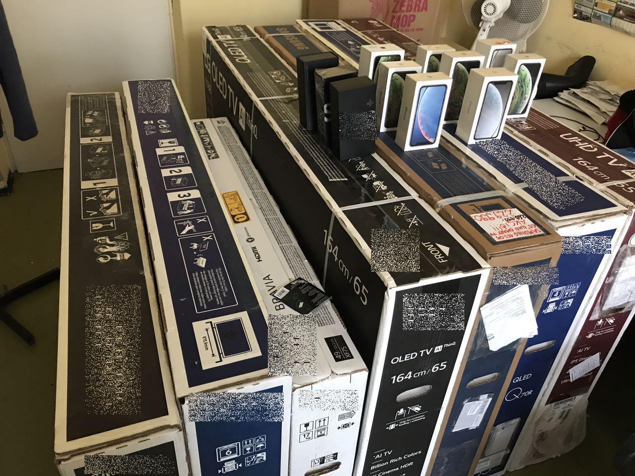 Mások adataival vásároltak mobiltelefonokat és tévéket kaposvári csalók