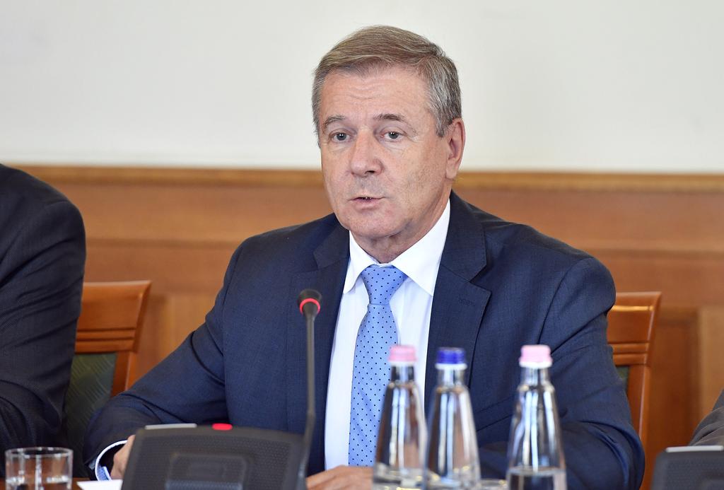 Benkő Tibor: az ember a legfontosabb a honvédelem fejlesztésében
