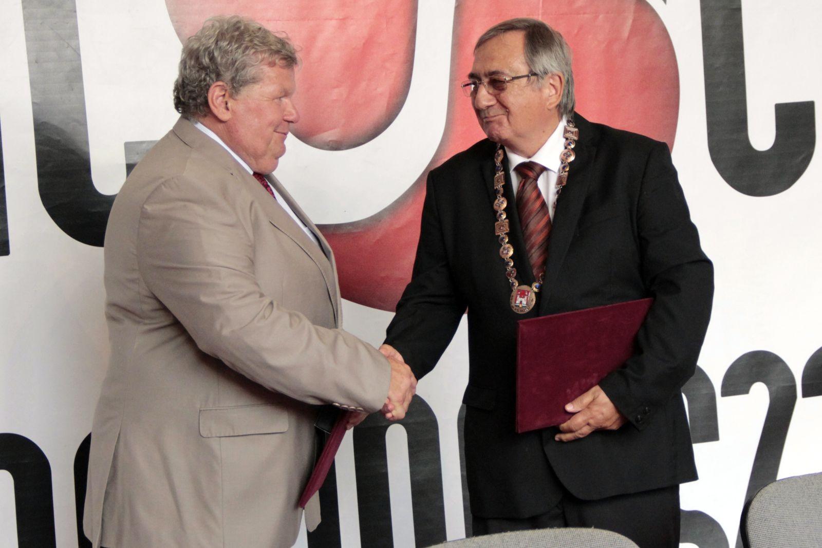 Együttműködési megállapodást kötött Paks és Kalocsa