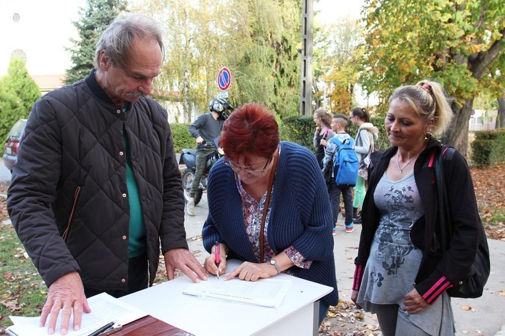 Elkerülő útért kampányolnak Dombóváron