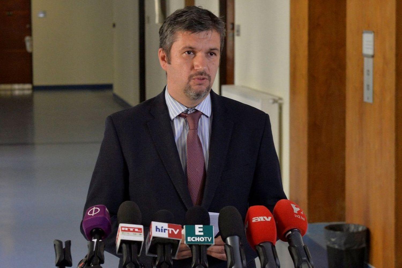A Ripost riportja szerint az LMP-s  Hadházy antikorrupciós tevékenysége csak álca