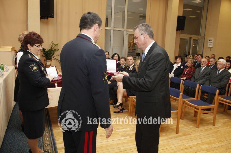 Belügyminiszteri elismerésben részesült Bátaszék polgármestere