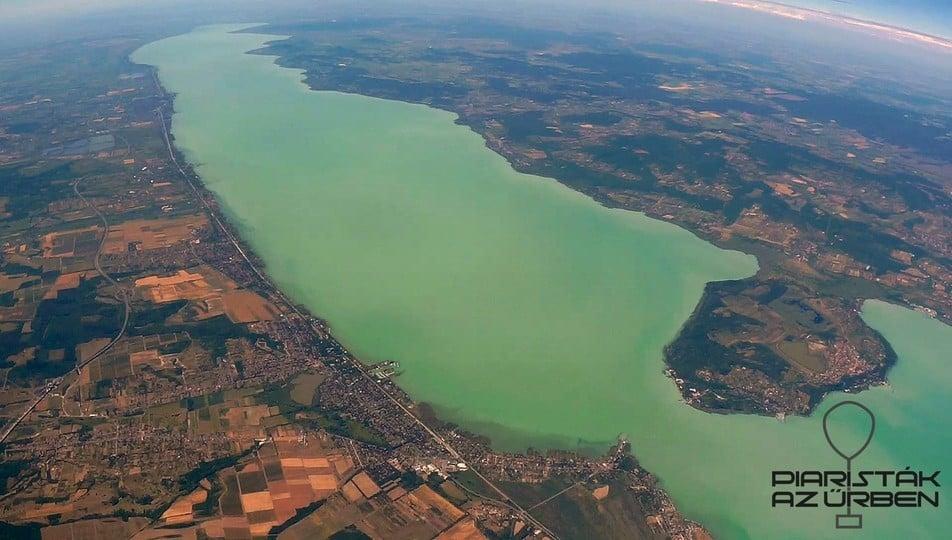 Az űrből készítettek felvételeket a Balatonról a budapesti gimnazisták