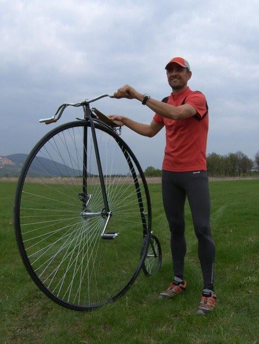 Pakson is áthaladt a 150 éves velocipéd