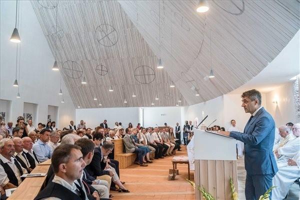 Felszentelték Bonyhád testvértelepülésének új templomát
