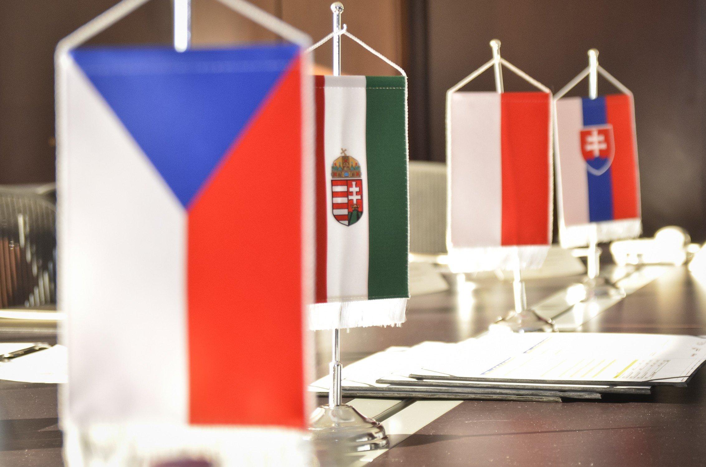 Kétnapos tanácskozást tartanak mától a visegrádi országok államfői Szekszárdon