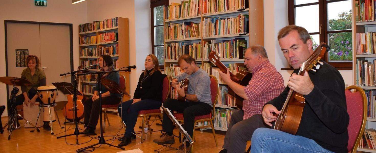 A fővárosban is bemutatja majd a Szekszárdi Bormámor című programját a gitárkvartett